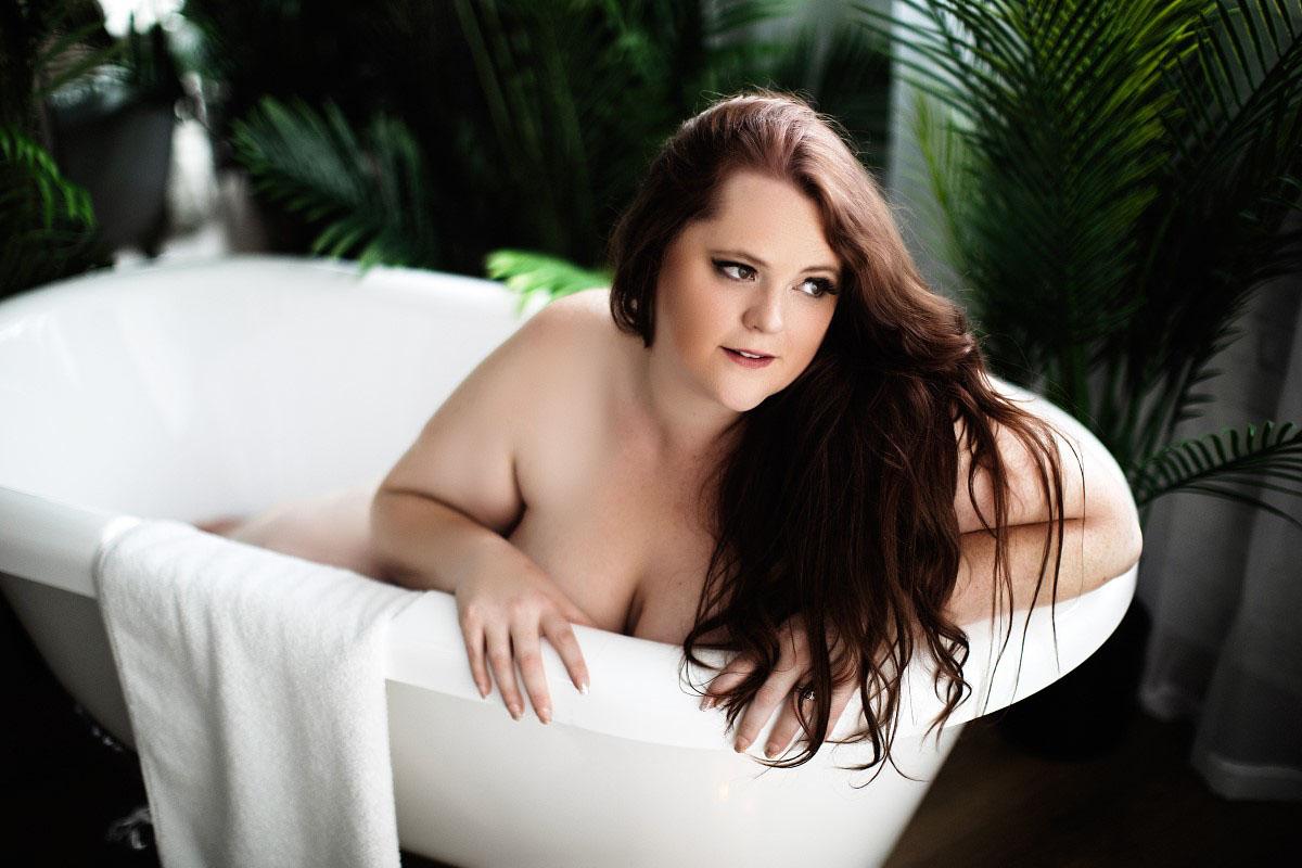 Bath Tub Boudoir Photography